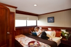 Liveaboards 23402423_galapagos_sky_master_suite_bed_1_640.jpg