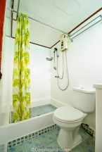 Liveaboards 75860160_deepandamanqueenbathroom2640.jpg