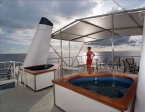 Liveaboards 78137808_ocean_hunter_3_jacuzzi.jpg