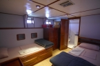 Liveaboards 90405784_deepbluelowercabin640.jpg